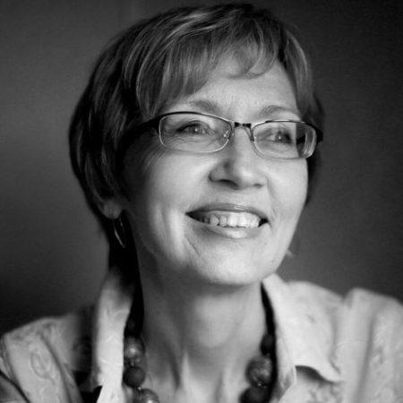 Захарова Вера - Руководитель программы «Психологическая поддержка заболевших и членов их семей»