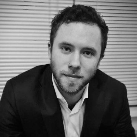 Илья - директор по развитию фонда ЛЮДИ-ЛЮДЯМ
